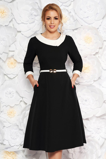 Rochie neagra eleganta in clos din stofa subtire usor elastica cu accesoriu tip curea