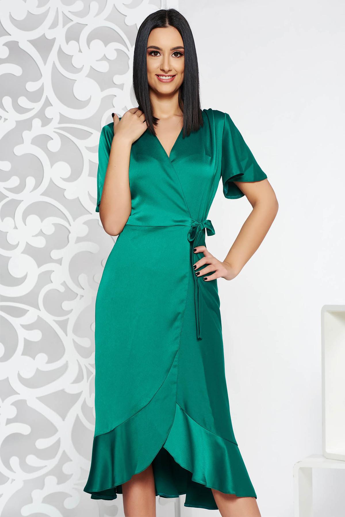 Rochie verde de ocazie petrecuta din stofa neelastica subtire cu volanase la baza rochiei