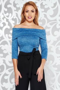 Pulover StarShinerS albastru pe umeri cu un croi mulat din material tricotat cu maneci trei-sferturi