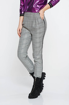 Pantaloni Fofy gri casual conici cu talie inalta din stofa neelastica in carouri cu buzunare