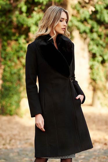Palton LaDonna negru elegant din lana captusit pe interior cu un croi cambrat cu guler din blana