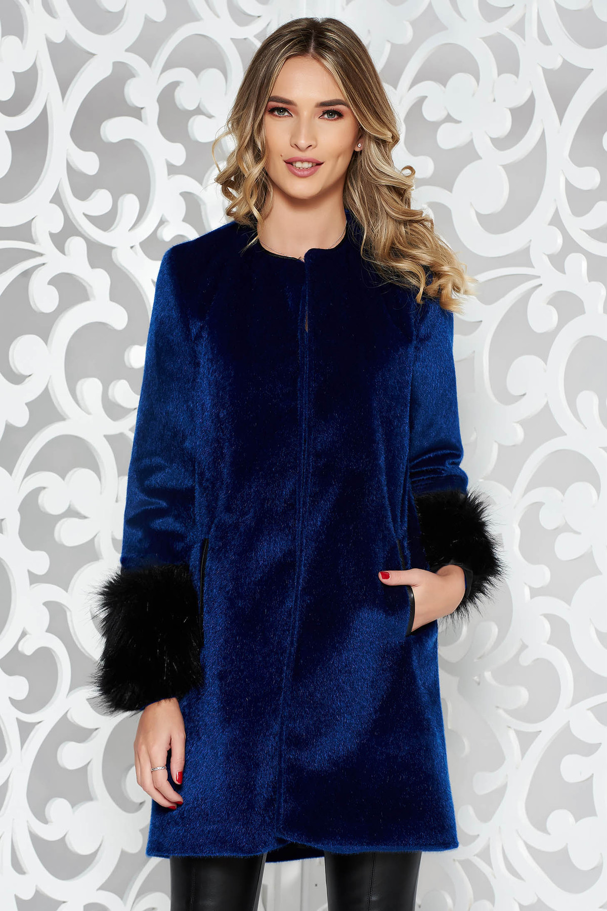 Palton StarShinerS albastru-inchis elegant cu croi larg din blana ecologica captusit pe interior cu buzunare