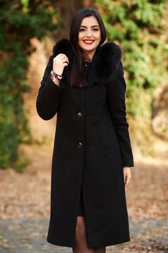Palton negru elegant cu un croi drept din lana captusit pe interior cu guler din blana naturala cu buzunare