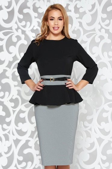 Rochie alba eleganta tip creion din stofa usor elastica cu peplum si accesoriu tip curea