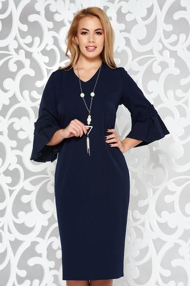 Rochie albastra-inchis eleganta tip creion midi din stofa subtire usor elastica accesoriu tip colier