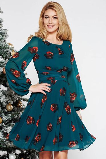 Rochie LaDonna verde eleganta in clos din voal captusita pe interior cu imprimeuri florale