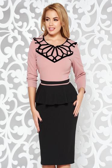 Rochie rosa eleganta midi tip creion din material usor elastic cu peplum