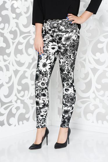 Pantaloni negri casual cu talie medie cu un croi mulat din material catifelat cu imprimeu floral