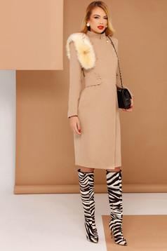 Palton PrettyGirl crem elegant din stofa neelastica captusit pe interior cu insertii cu blana ecologica