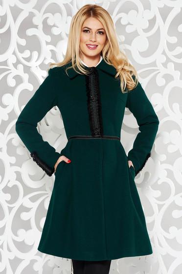 Palton LaDonna verde elegant in clos din lana captusit pe interior cu aplicatii cusute manual