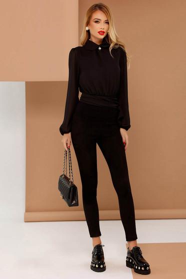 Bluza dama PrettyGirl neagra eleganta cu croi larg din voal accesorizata cu brosa