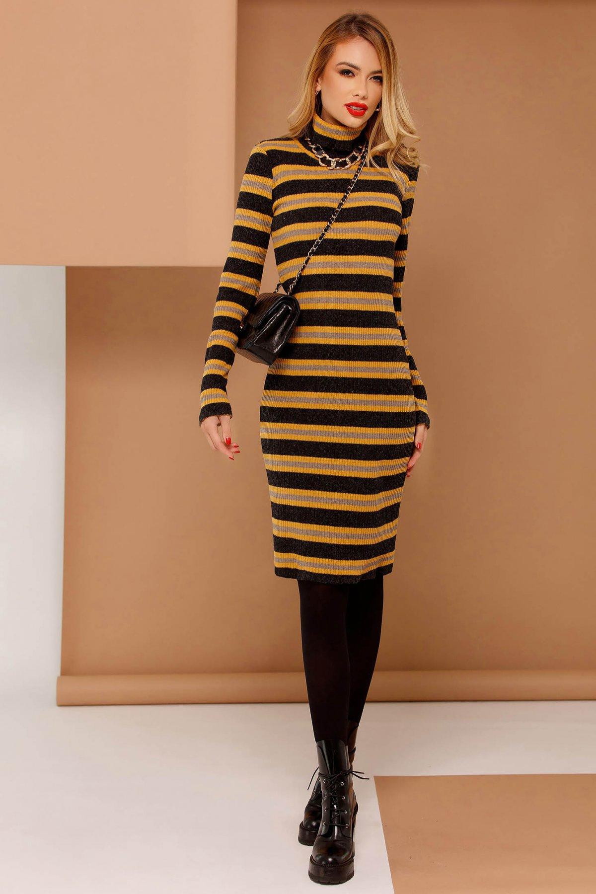 Rochie PrettyGirl mustarie casual cu un croi mulat din material tricotat cu maneci lungi