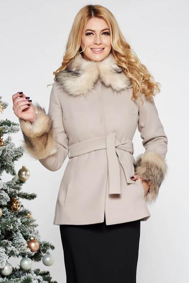 Palton LaDonna crem elegant scurt cu croi larg din lana captusit pe interior accesorizat cu cordon