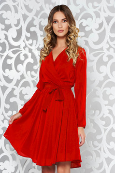 Rochie StarShinerS rosie eleganta in clos din voal captusita pe interior cu elastic in talie accesorizata cu cordon