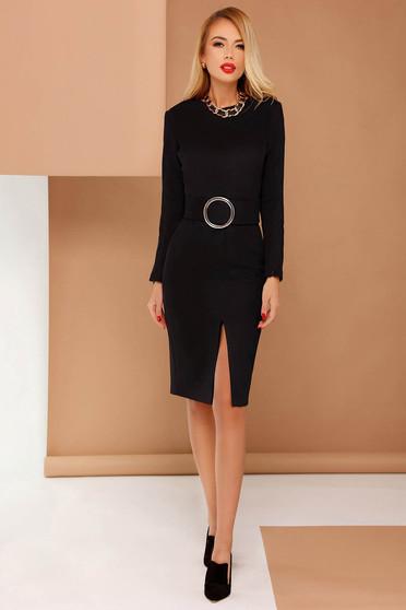Rochie PrettyGirl neagra eleganta tip creion din material catifelat accesorizata cu cordon