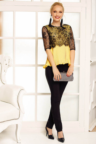 Bluza dama Fofy galbena eleganta cu croi larg din voal plisat cu suprapunere cu dantela