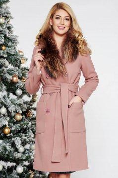 Palton LaDonna rosa elegant cu un croi drept din lana cu guler din blana naturala
