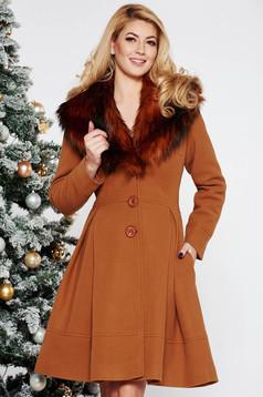 Palton LaDonna maro elegant in clos din lana cu insertii de blana ecologica detasabile