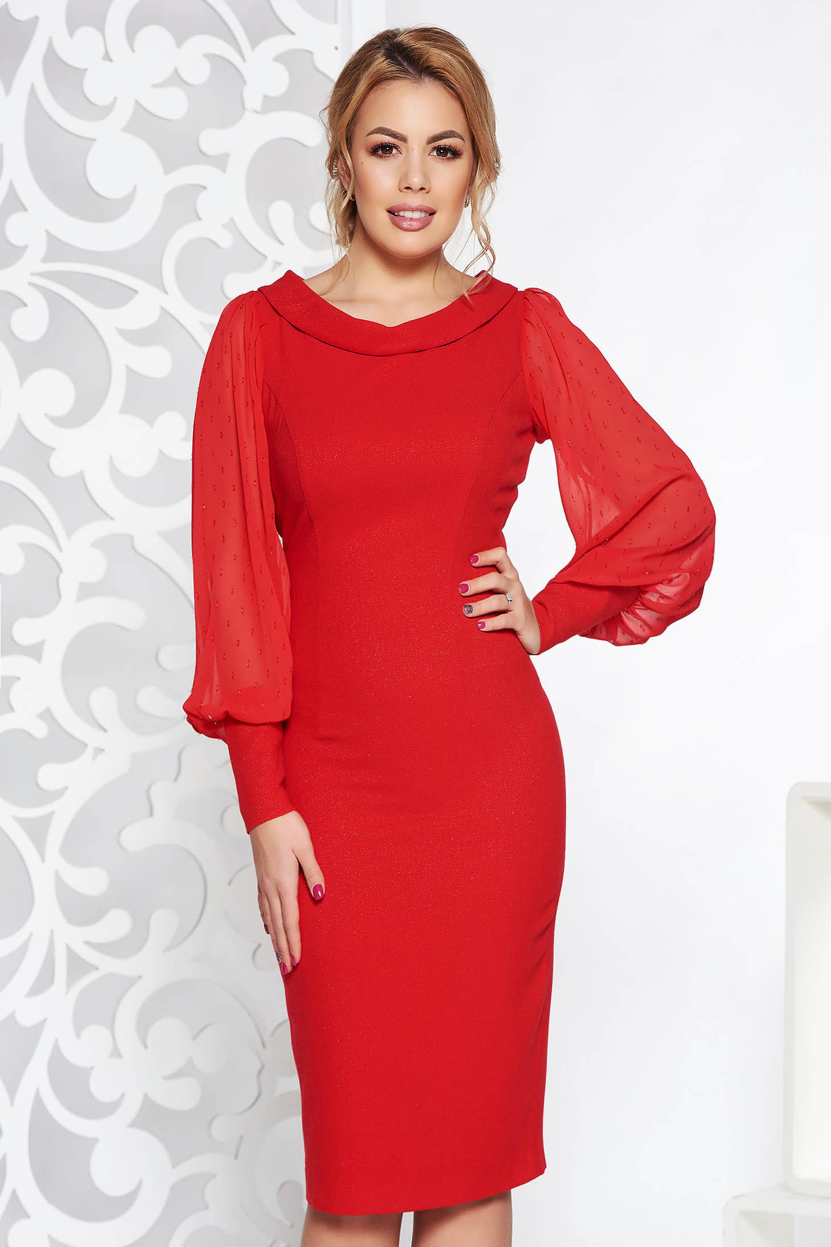 Rochie rosie de ocazie midi tip creion din material usor elastic cu fir lame cu maneci cu aplicatii stralucitoare