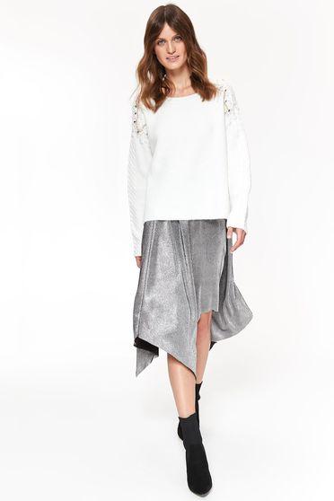 Pulover Top Secret alb casual cu croi larg din material tricotat cu aplicatii cu pietre strass