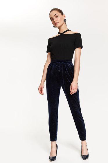 Bluza dama Top Secret neagra cu maneca scurta cu umeri goi din material tricotat