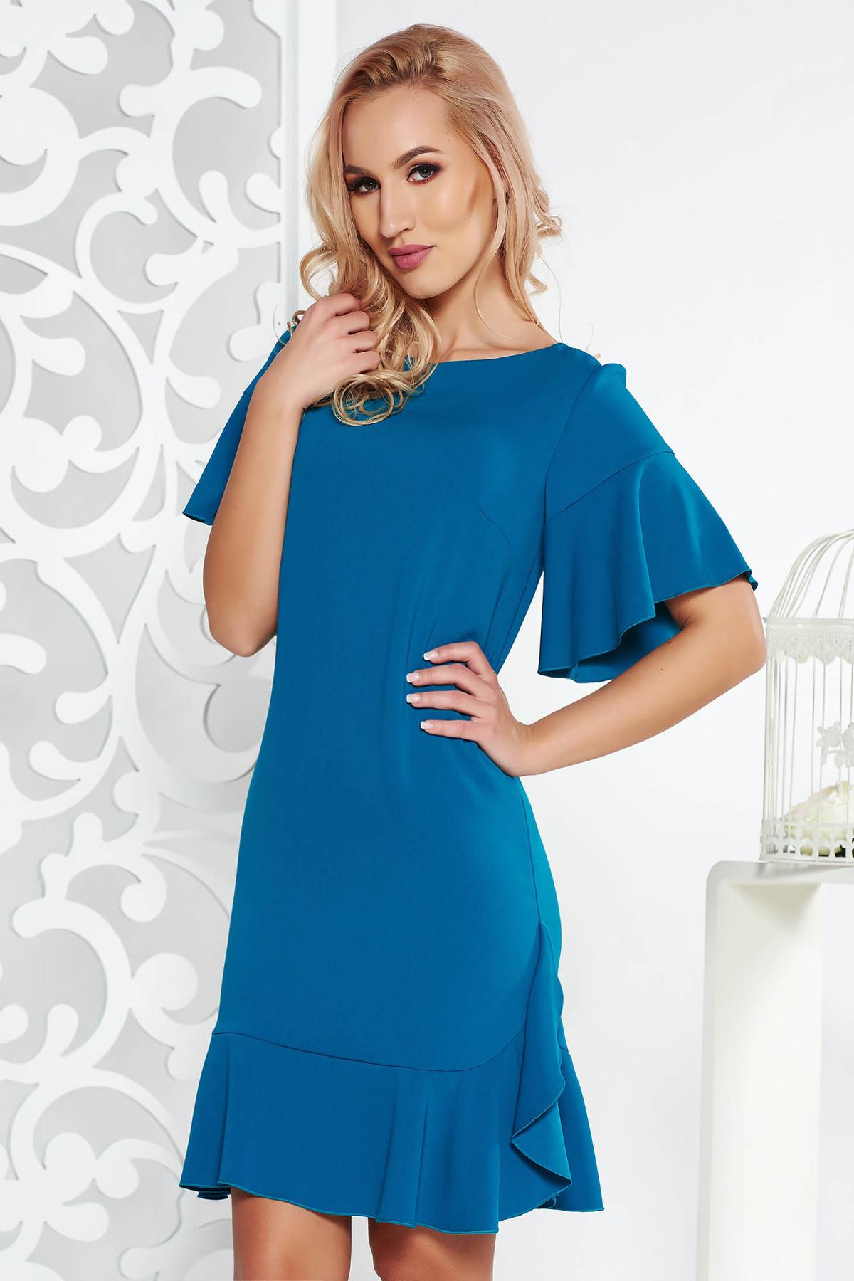 Rochie turcoaz eleganta din stofa usor elastica captusita pe interior cu un croi drept cu volanase la baza rochiei