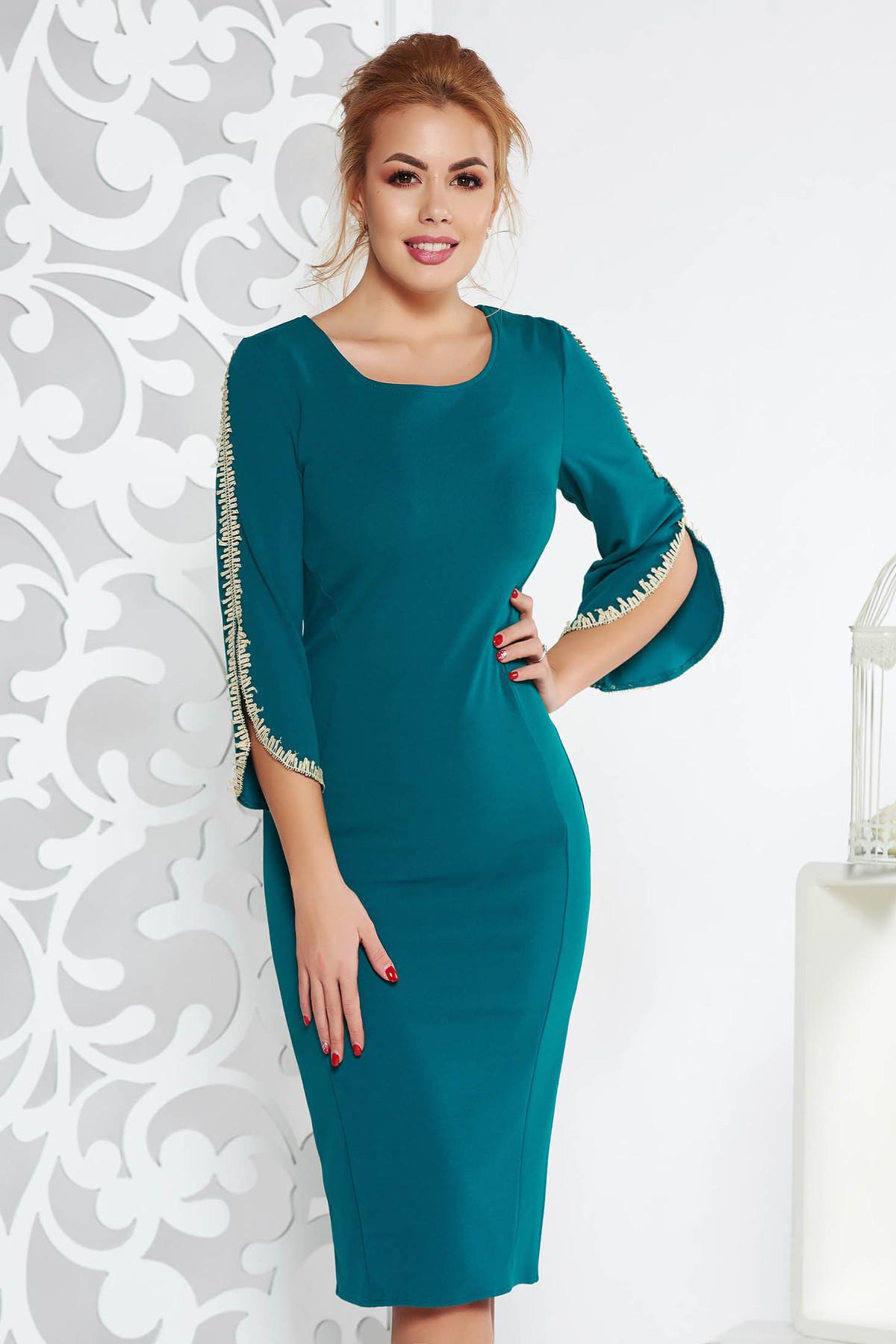 Rochie verde eleganta tip creion din material elastic cu insertii de broderie cu maneci trei-sferturi
