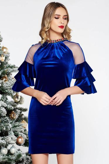Rochie albastra de ocazie cu un croi drept din catifea cu accesoriu tip colier