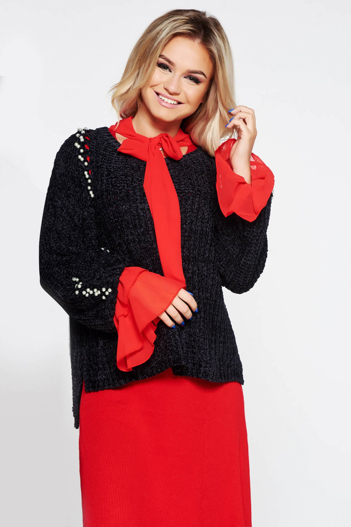 Pulover SunShine negru casual cu croi larg din material tricotat catifelat cu aplicatii cu perle