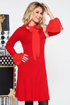 Rochie SunShine rosie de party cu un croi mulat din material tricotat cu maneci clopot si guler tip esarfa