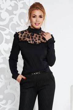 Bluza dama Fofy neagra eleganta cu un croi mulat cu aplicatii florale
