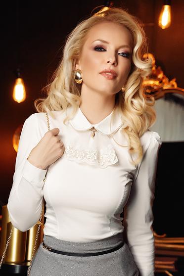 Camasa dama Fofy alba eleganta cu un croi mulat din bumbac cu aplicatii de dantela