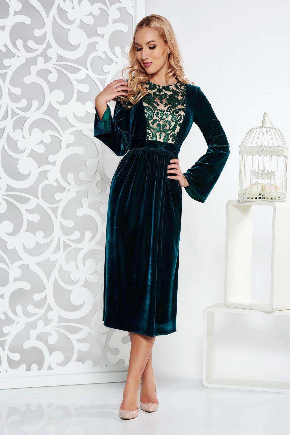 Rochie verde-inchis de ocazie midi in clos din catifea cu aplicatii cu paiete