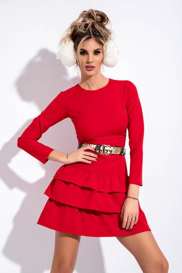 Rochie rosie de party cu un croi mulat din stofa usor elastica cu accesoriu tip curea