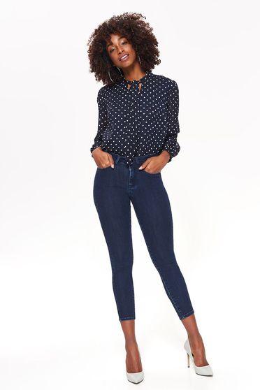 Blugi Top Secret albastri-inchis skinny cu talie medie din bumbac elastic cu buzunare
