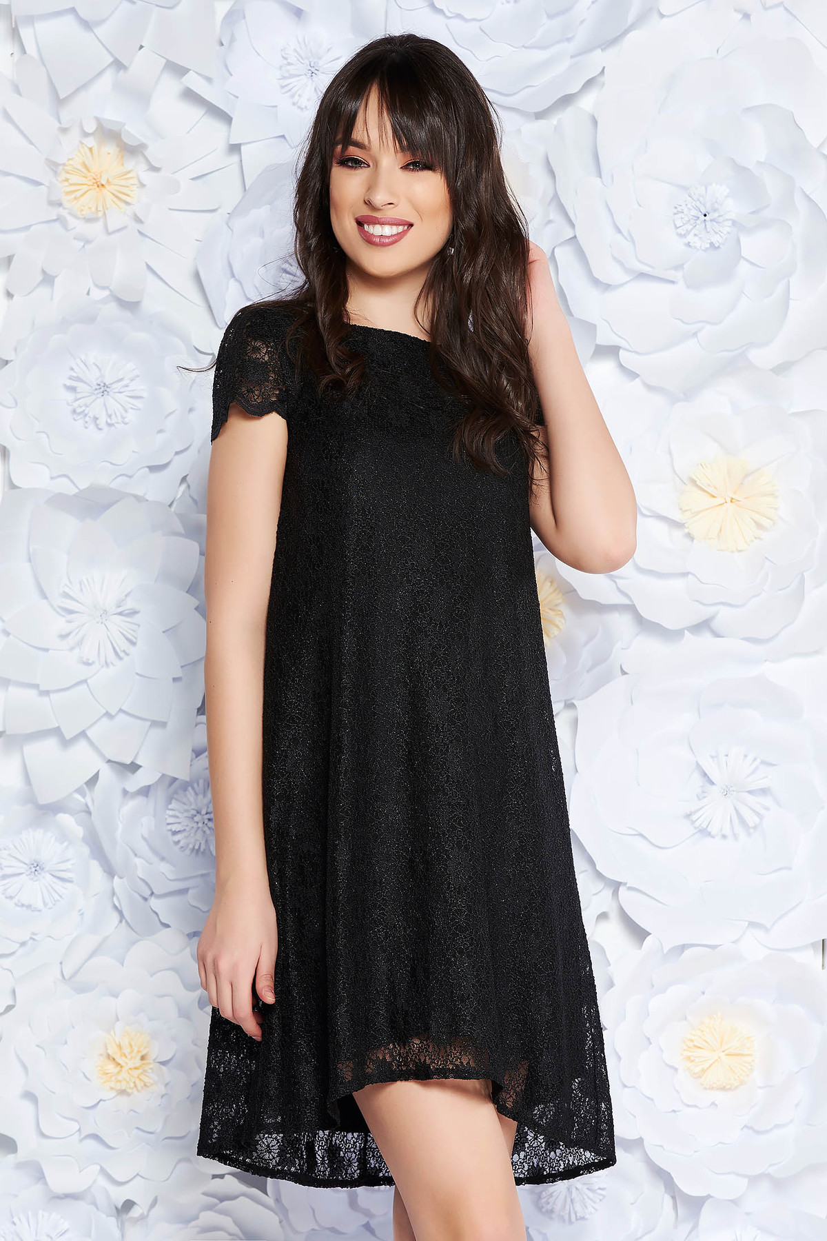 Rochie StarShinerS neagra eleganta cu croi larg din dantela captusita pe interior cu maneci scurte