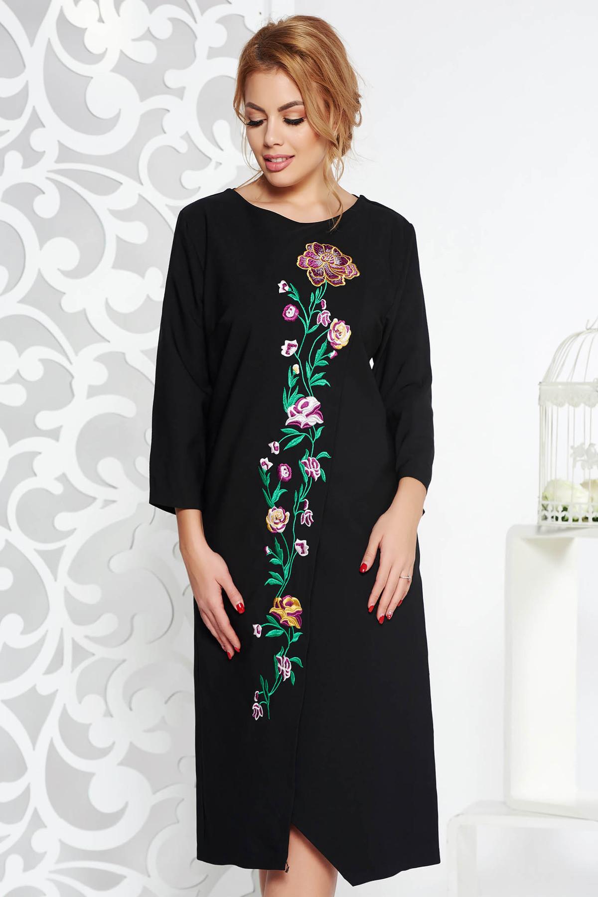 Rochie neagra eleganta cu croi larg din stofa usor elastica cu insertii de broderie