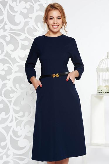 Rochie albastra-inchis office in clos din bumbac usor elastic cu buzunare cu accesoriu tip curea