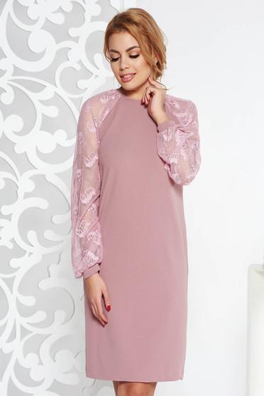 Rochie StarShinerS rosa eleganta midi cu croi larg din material usor elastic cu maneci din dantela