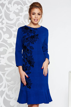 Rochie albastra eleganta midi din stofa usor elastica cu volanase la baza rochiei