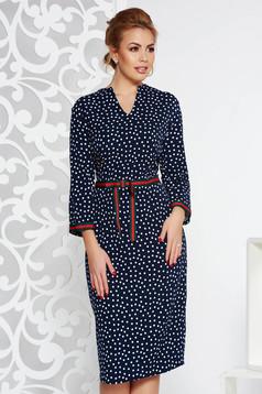Rochiealbastra-inchis eleganta din stofa usor elastica cu buline cu decolteu in v