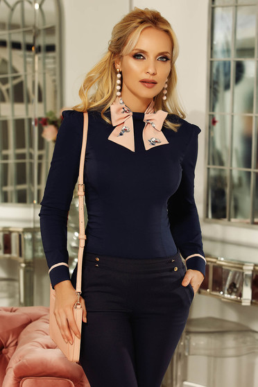 Camasa dama albastra-inchis Fofy office cu un croi cambrat cu guler tip esarfa din bumbac usor elastic