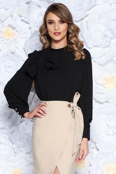 Bluza dama LaDonna neagra eleganta cu croi larg din material vaporos captusita pe interior accesorizata cu o fundita