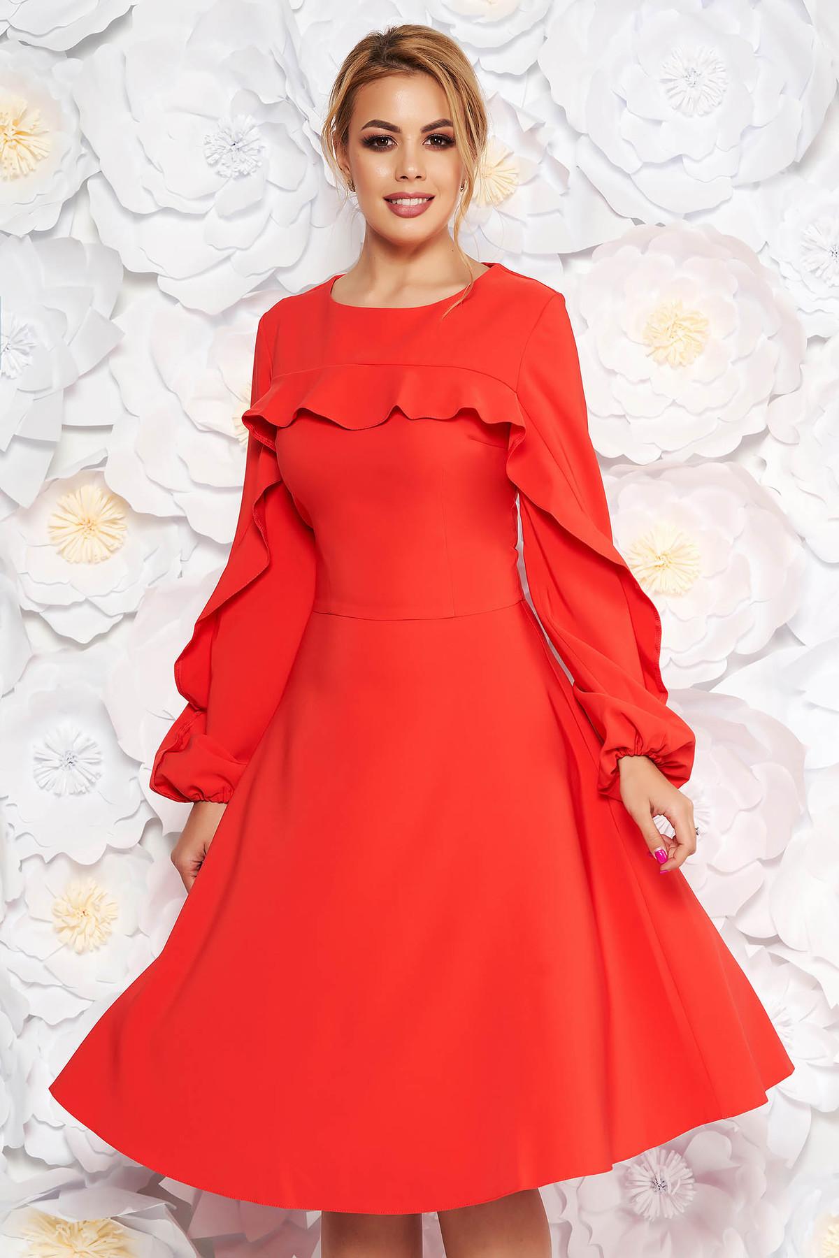 Rochie LaDonna corai eleganta in clos din stofa usor elastica captusita pe interior cu volanase