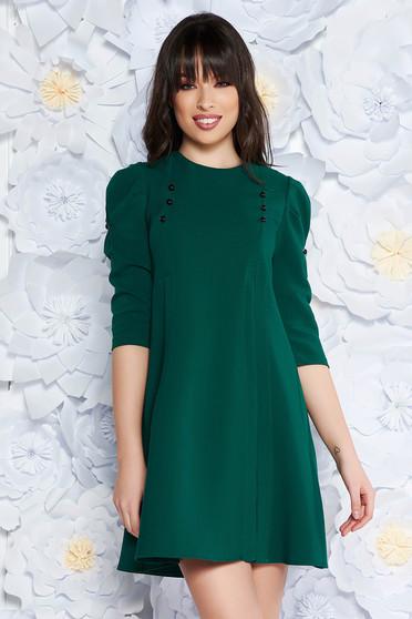 Rochie Artista verde de zi cu croi larg cu maneci trei-sferturi din stofa usor elastica accesorizata cu nasturi
