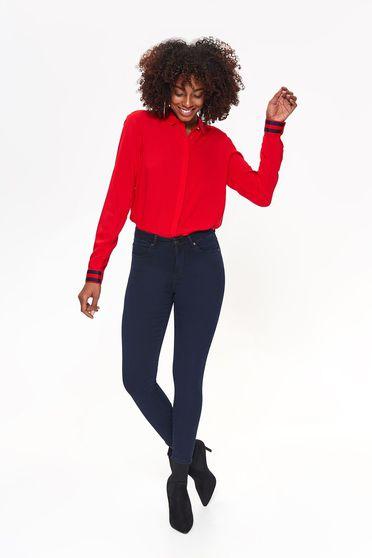 Pantaloni Top Secret albastri-inchis casual cu talie medie cu un croi mulat din material usor elastic