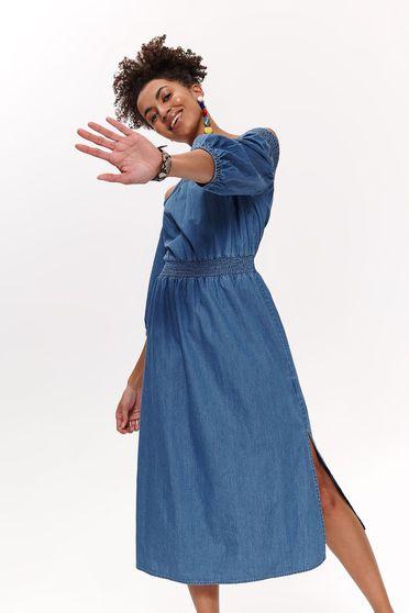 Rochie Top Secret albastra-inchis de zi cu croi larg cu elastic in talie cu umeri goi din denim