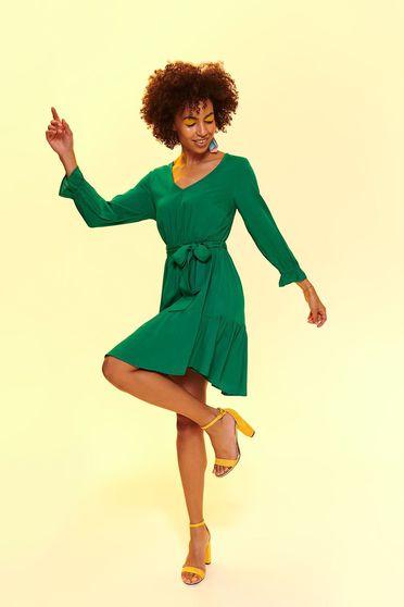 Rochie Top Secret verde de zi in clos din material vaporos accesorizata cu cordon