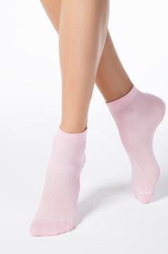 Sosete roz deschis scurte din material elastic tip plasa