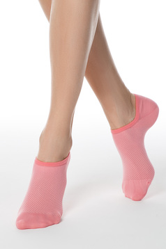 Sosete roz scurte din material elastic tip plasa cu calcai curbat